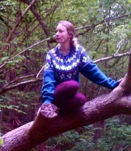 tess in tree3
